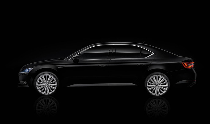 151021-skoda-superb-black-crystal-3.jpg