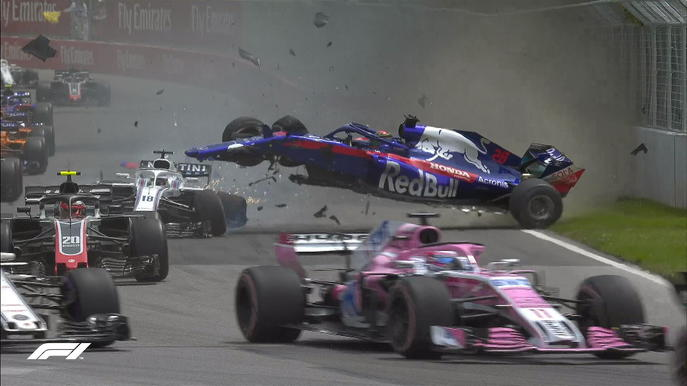 f1crash-lap1.jpg