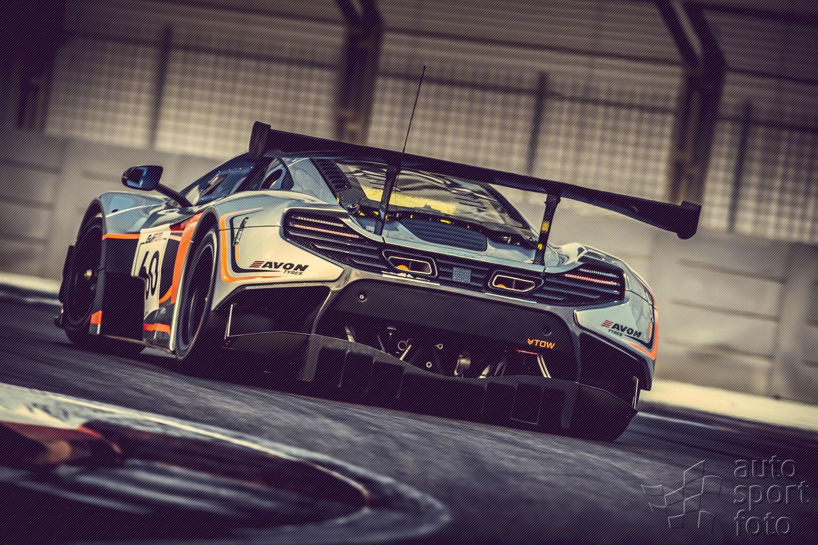http://www.autosportfoto.sk/images/gallery/mclaren-gt-signs-off-the-650s-gt3/gulf12hr-2014-1439.jpg
